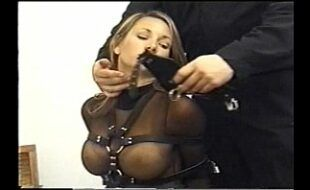 amateur video porn milf takes multiple cumshots at park blindfolded